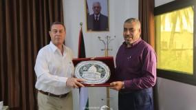 السفير دياب اللوح يزور مقر لجنه الحج بوزارة الاوقاف والشئون الدينية