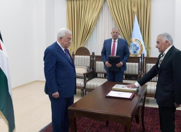 الرئيس عباس يؤكد دعمه لمجلس القضاء الأعلى ورئيسه