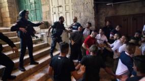حماس: العدوان السافر على الأقصى يقود إلى انفجار الأوضاع