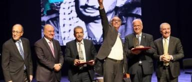 """منح جائزة ياسر عرفات للإنجاز للعام 2019 لـ """"رُواق"""" وجامعة الاستقلال"""