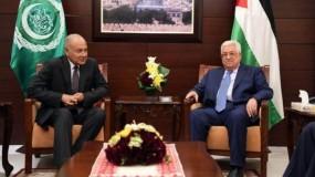الرئيس عباس لأمين جامعة الدول العربية: يجب لالتزام بمبادرة السلام العربية دون تغيير