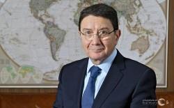 الأمين العام السابق لمنظمة السياحة العالمية يناقش الاستثمار المستدام خلال الحدث الافتراضي لسوق السفر العربي