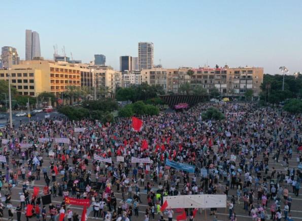 تظاهرة حاشدة ورفع أعلام فلسطين وسط تل أبيب رفضا لمخطط الضم