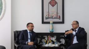 الوزير أبو سيف والقنصل الإيطالي يبحثان التعاون الثقافي وأثر الكورونا