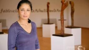 الفنانة كاتيا التل رحلة نجاح توزعت بين النحت على الخزف والعمل الإنساني