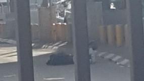 جيش الاحتلال يطلق النار على شاب عند حاجز قلنديا شمال القدس المحتلة