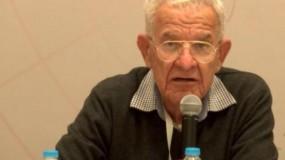 الرئيس عباس يهاتف عائلة المناضل الوطني أنيس القاسم معزيا بوفاته