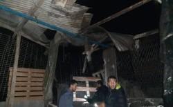 نجاة أسرة من مخيم المغازي من موت محقق بعد سقوط قذائف على منزلها
