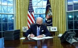 البيت الأبيض: بايدن أكد للملك عبدالله على دعم أمريكا حل الدولتين
