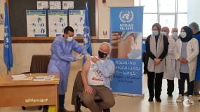أبو حسنة يتحدث عن اللقاح ودور (أونروا) في تطعيم المواطنين واللاجئين