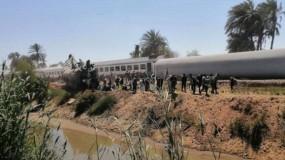 جرحى جراء خروج قطار عن مساره في مصر