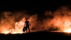 قوات الاحتلال تطلق قنابل الغاز تجاه المتظاهرين شرق خانيونس