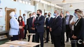 عضو مجلس الشيوخ الأمريكي من ولاية كونيتيكت يقوم بزيارة تاريخية إلى مركز تدريب وادي السير التابع للأونروا في الأردن