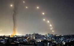مقتل مستوطنة في أسدود وإصابة ثلاث مبان في بئر السبع بصواريخ المقاومة