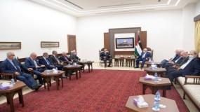 الرئيس عباس يثمن جهود الشخصيات الوطنية لإنهاء الانقسام