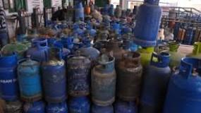 نفاد كميات الغاز المنزلي من جميع محطات قطاع غزة
