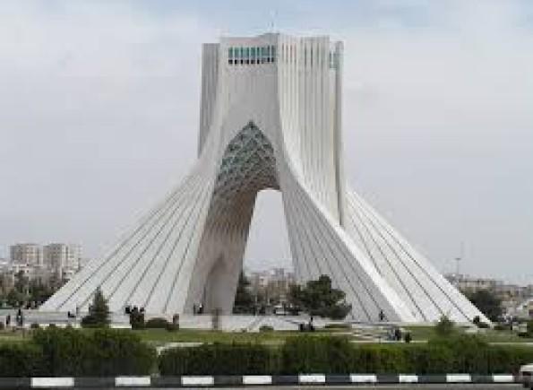 """وزارة الدفاع الإيرانية تعلن اغتيال العالم النووي """"محسن زادة"""""""