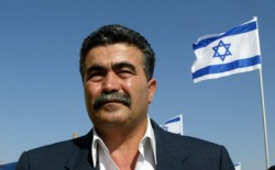 بيرتس: عباس هو الشريك الفلسطيني الوحيد ويجب قطع المفاوضات مع حماس