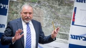 ليبرمان يدرس الترشح لرئاسة الحكومة الإسرائيلية المقبلة