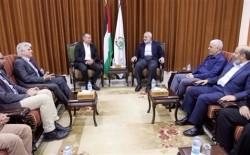 هنية يبحث مع ميلادنوف مسار الانتخابات الفلسطينية
