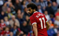 رئيس اتحاد الكرة المصري يكشف نتيجة مسحة (كورونا) الثانية لصلاح