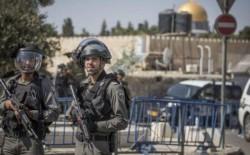 اصابة 15 مُصليًا خلال اقتحام شرطة الاحتلال للمسجد الاقصى