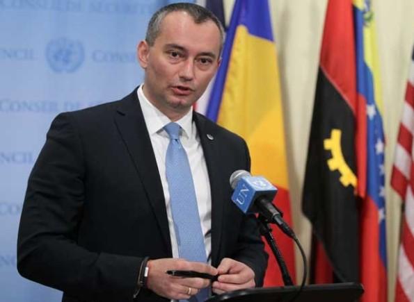 ملادينوف يطالب إسرائيل بوقف سياسة تدمير المباني السكنية فوراً
