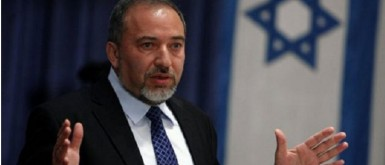 ليبرمان: لن أتحالف مع نتانياهو أو غانتس بشكل منفرد