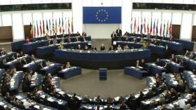 البرلمان الأوروبي يطالب الاتحاد بمراجعة العلاقات مع مصر.. ويلمح لعقوبات